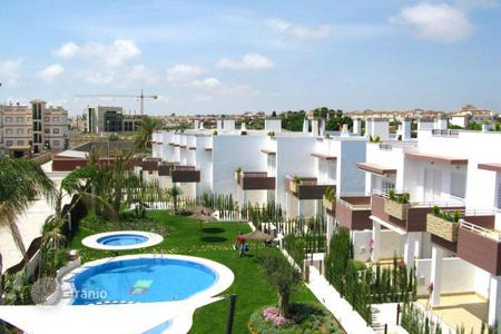 Cheap 2 bedroom houses for sale in Europe. Spacious house near the sea, Alicante, Spain