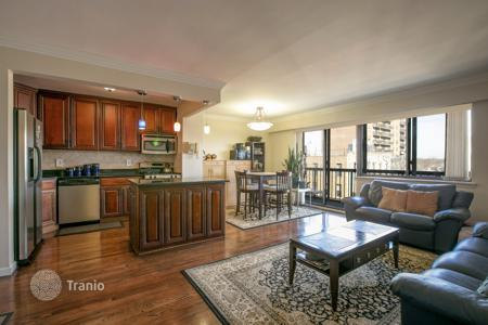 2 bedroom apartments to rent in Queens. Renovated 2 bedroom home at the Tower East Condominium