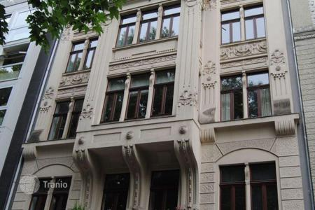 1 bedroom apartments for sale in North Rhine-Westphalia. The original two room apartment in an old house in the south of Cologne
