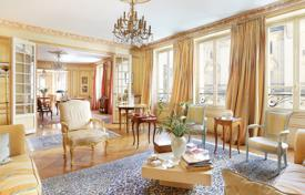 Residential for sale in Paris. Paris 16th District — Victor Hugo, Spontini