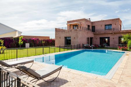 Villas and houses for rent with swimming pools in Africa. Detached house – Marrakesh, Marrakech-Tensift-El Haouz, Morocco