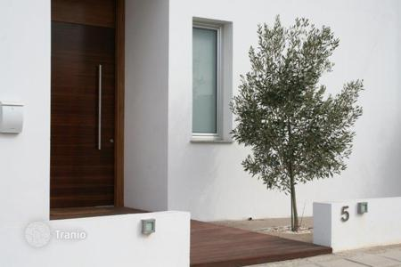 Residential for sale in Lempa. FOR SALE: LARGE MODERN VILLA IN PAPHOS, CYPRUS