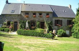 Cheap 5 bedroom houses for sale in France. Stunning exclusive 5 bedroom detached property, Originally built in 1485