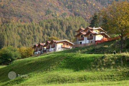 Townhouses for sale in Lombardy. Terraced house - Lombardy, Italy