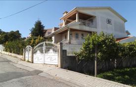 Cheap houses for sale in Porto. Villa in Vandoma, Portugal