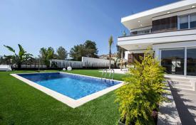 3 bedroom houses for sale in Alicante. Designer villa with private pool in Orihuela Costa