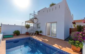 Cheap townhouses for sale in Spain. 2 bedroom semi-detached villa in Serena Golf, Los Alcázares