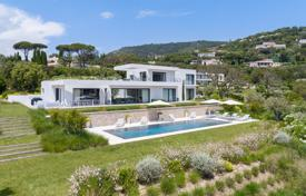 Residential for sale in Grimaud. Recently built contemporary property in the heart of the closed and preserved estate of Beauvallon