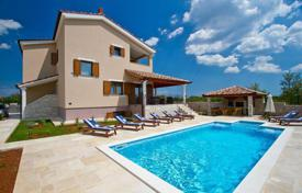 4 bedroom houses for sale in Istria County. Comfortable villa with a terrace, a pool and sea views, Svetvincenat, Istria County, Croatia
