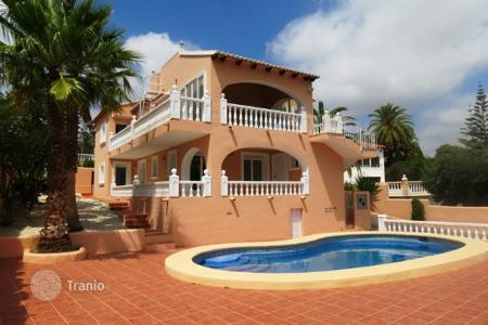 6 bedroom houses for sale in Moraira. Villa of 6 bedrooms with pool terrace and garden in Moraira