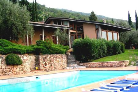 Houses with pools for sale in Piedmont. Villa – Piedmont, Italy