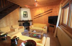 4 bedroom apartments for sale in Auvergne-Rhône-Alpes. Large four-bedroom duplex apartment, Morzine, France