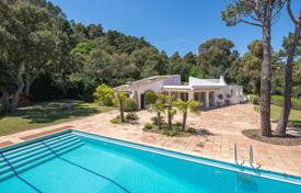Houses for sale in Fréjus. Close to Cannes — Renovated villa sea view