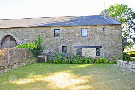Villas and houses to rent in Brittany. Grange Du Morbihan