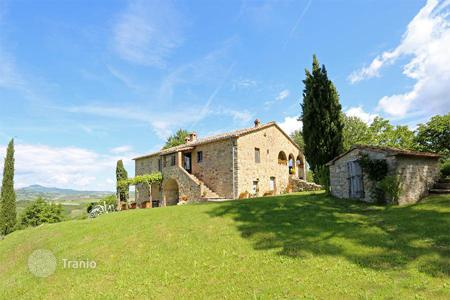 Luxury houses for sale in Cetona. An exclusive farmhouse for sale in Tuscany in San Casciano dei Bagni