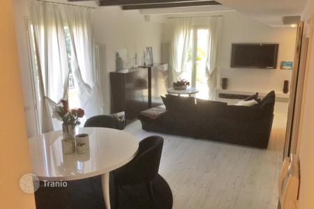1 bedroom apartments by the sea for sale in Italy. Furnished penthouse in 1 km to the sea, Rimini, Italy