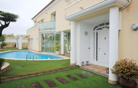Coastal houses for sale in Costa del Maresme. Luxurious property for sale in Premià de Dalt