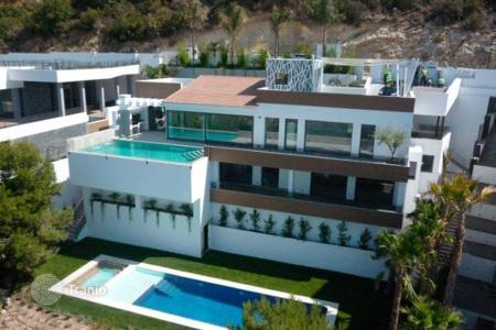 Luxury houses with pools for sale in Costa Blanca. Villa - Altea, Valencia, Spain
