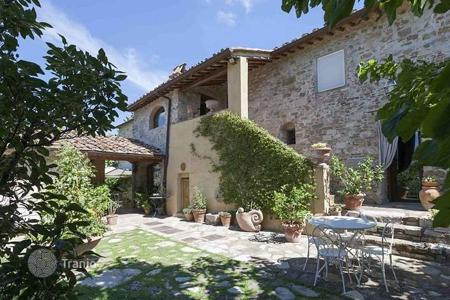 Property for sale in Tavarnelle Val di Pesa. Villa – Tavarnelle Val di Pesa, Tuscany, Italy