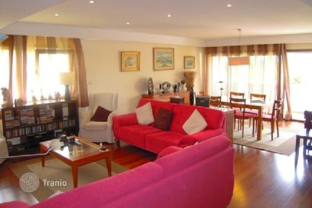Foreclosed 4 bedroom apartments for sale in Porto. Apartments in Ramalde, Portugal