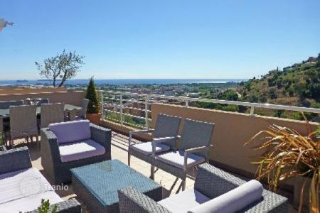 Coastal apartments for sale in Mandelieu-la-Napoule. Apartment – Mandelieu-la-Napoule, Côte d'Azur (French Riviera), France