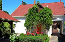 Houses for sale in Somogy. Nice villa on the southern shore of Lake Balaton near Keszthely-Hévíz