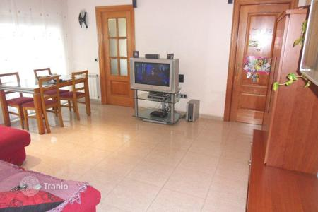 Cheap residential for sale in Costa del Maresme. Two-bedroom apartment in a new home on the Costa del Maresme