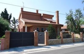 Residential for sale in Costa Dorada. Individual house in luxury area of Cambrils
