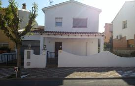 Chalets for sale in Catalonia. Townhouse in the center of Maçanet
