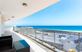 Three-bedroom apartment 200 meters away from the sea in Arenales del Sol, Alicante, Spain for 290,000 €