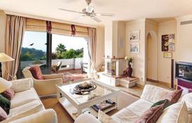Penthouses for sale in Marbella. Spacious penthouse with three terraces in a residence with a garden and a swimming pool, close to the beach, La Quinta, Malaga, Spain