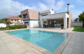 4 bedroom houses for sale in Valencia. Villa – Orihuela Costa, Valencia, Spain
