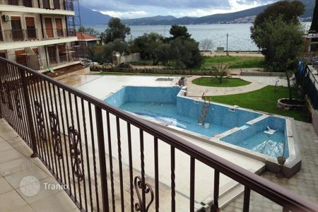 Apartments with pools for sale in Herceg-Novi. Apartment – Baosici, Herceg-Novi, Montenegro