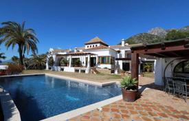 Luxury 6 bedroom houses for sale in Costa del Sol. Fantastic villa on great location