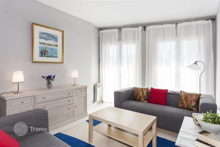 3 bedroom apartments for sale in Costa del Garraf. Duplex apartment with a roof terrace with views of the sea and the city in the center of Sitges, Barcelona, Spain