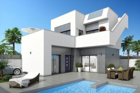 Cheap 3 bedroom houses for sale in Ciudad Quesada. New 3 bedroom villas with private pool and parking space, big terraces and solarium in Rojales