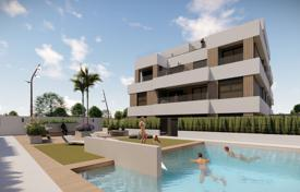 Comfortable townhouse with a garden and a terrace in a residential complex with a pool and a parking, San Javier, Spain for 319,000 €