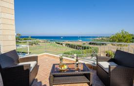 Property to rent in Famagusta. This luxury sea front villa situated in a quiet area and offers the chance for completely unwind and relax. You