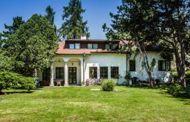 Property for sale in Brandýs nad Labem-Stará Boleslav. Historic villa with a large garden, a sauna and a guest house, Stara Boleslav, Czech Republic