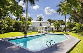Luxury 4 bedroom houses for sale in North America. Townhome – Miami Beach, Florida, USA