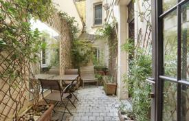 1 bedroom apartments for sale in Paris. Paris 5th District — A perfect pied a terre