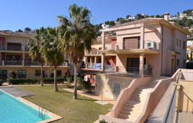 Apartments for sale in Benissa. Sizable apartments of 1 and 2 bedrooms in a complex equipped with pool and gardens in Benissa