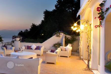 Coastal residential for rent in Positano. Villa Capodimonte