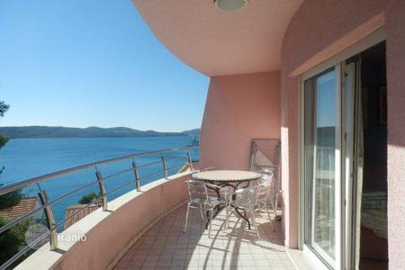 Coastal apartments for sale in Žedno. Apartment on island Čiovo