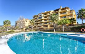 Apartments for sale in Estepona. Cozy Apartment with Sea View? New Golden Mile — Estepona
