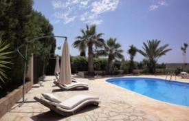4 bedroom houses by the sea for sale in Paphos (city). Refurbished bungalow with annex and private pool