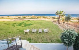 5 bedroom villas and houses to rent in Famagusta. Beach Front, Stunning Sea Views, 5 Bedrooms, 6 Bathrooms This beautiful and elaborate 5 bedroom, 3 storey sea front villa is loca