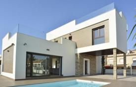 Villas and houses with pools for sale in Valencia. Sea view villa with garden and swimming pool, in Torrevieja, Alicante, Spain