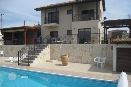 3 bedroom houses by the sea for sale in Pissouri. Three Bedroom Detached Villa