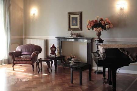 Residential for sale in San Valentino. This mansion has been built in 1825, on three floors